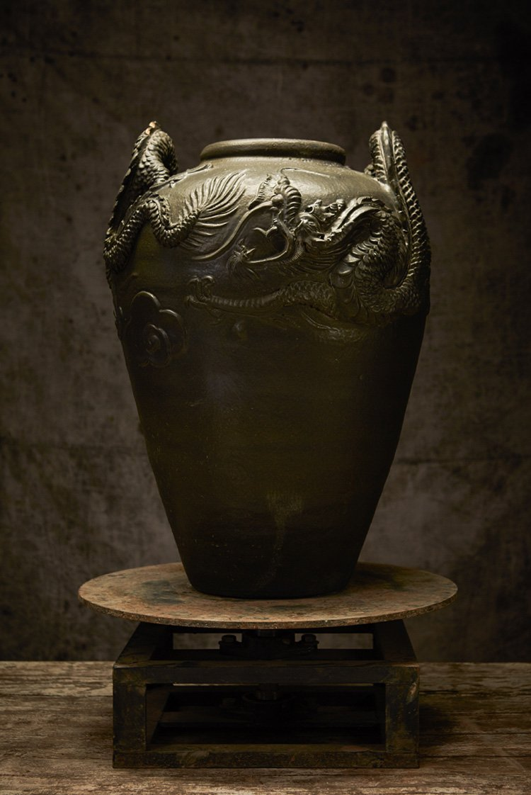 BEAUTIFUL HERITAGE AMPHORA STYLE JAR